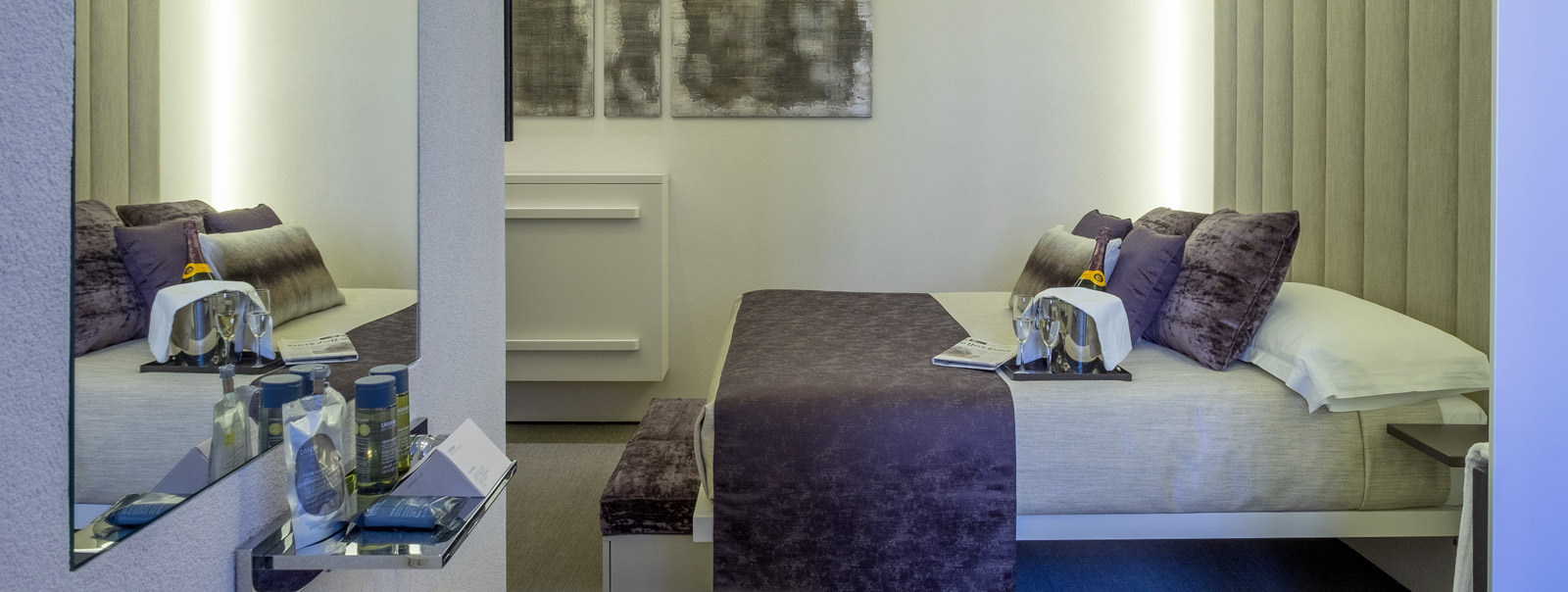 Room 230 Official website - Stay in Rome, luxury rooms rome